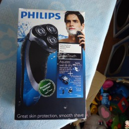Электробритва PHILIPS Aqua Touch