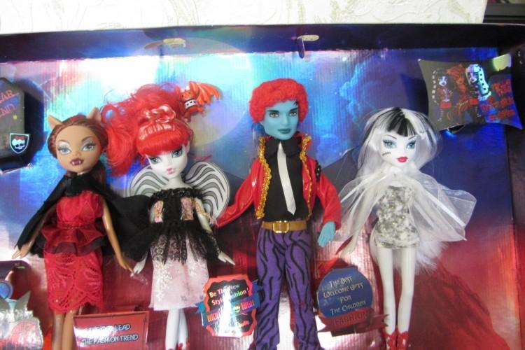 Вещи для кукол монстр хай фото
