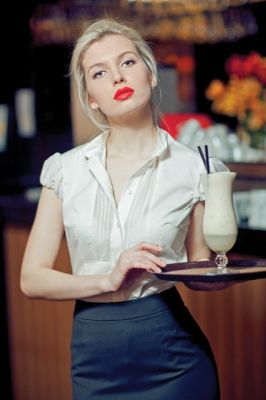 Официантка прически для девушек